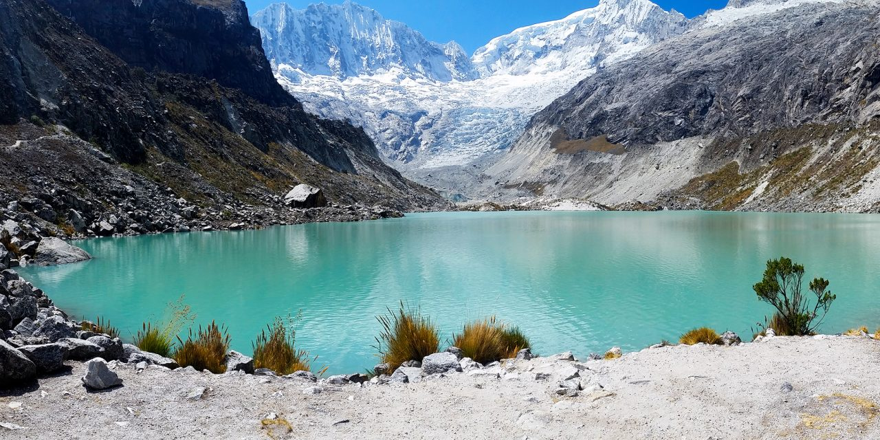 https://akilpohuaraz.com/wp-content/uploads/2021/02/llaca-lake-hike-1280x640.jpg